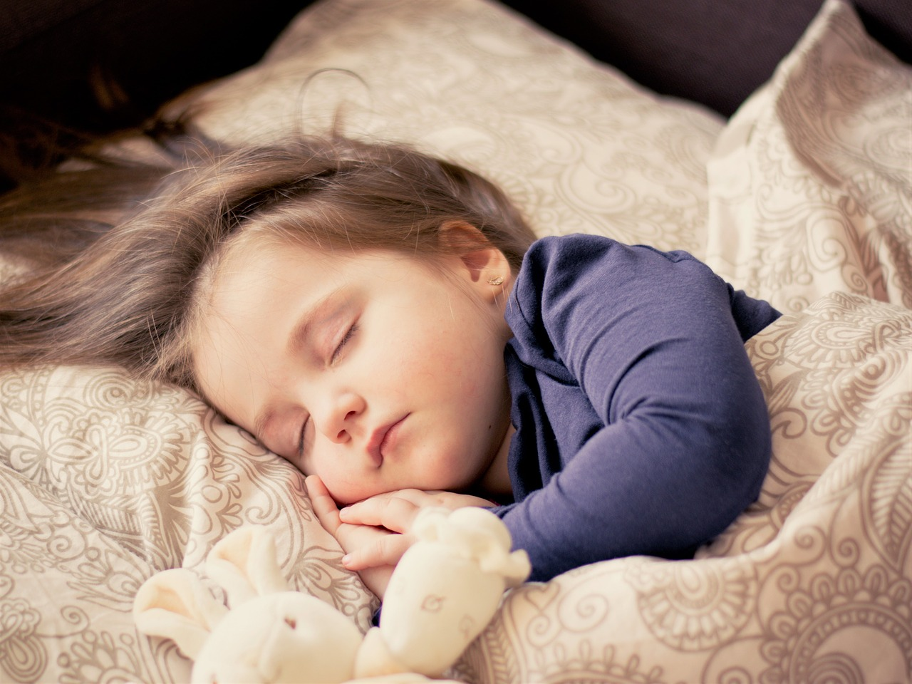 Egy kisbaba kialvatlan szülőket eredményez – ebből azonban akár szívprobléma is lehet!